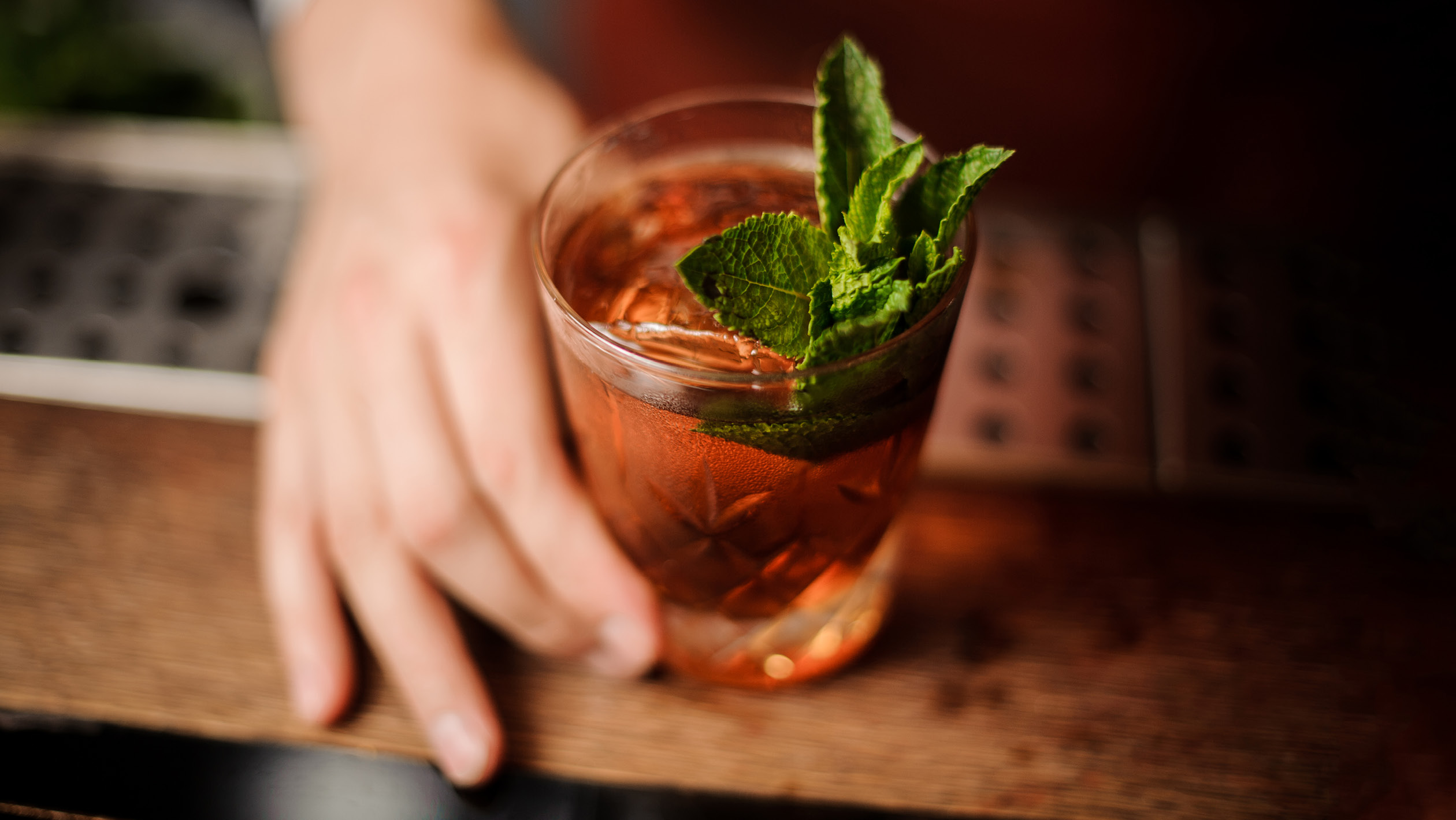 6 Ways to Upsell at the Bar | SevenFifty Daily